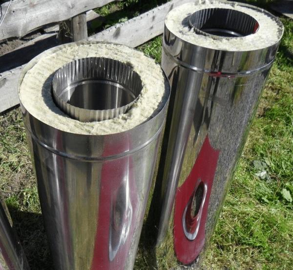 Базальтовая прослойка в сэндвич-трубах защищает дымоходный канал от конденсата.