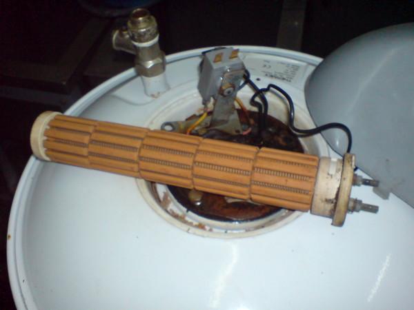 Демонтаж сухого нагревательного элемента.