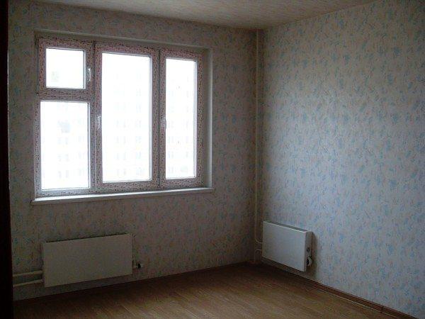 Для обогрева внешней стены в угловой комнате установлен дополнительный радиатор.