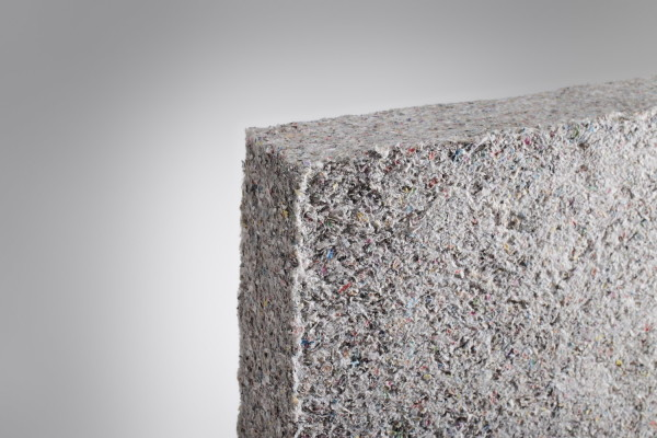 Для удобства монтажа на стены эковата может быть спрессована в плиты.