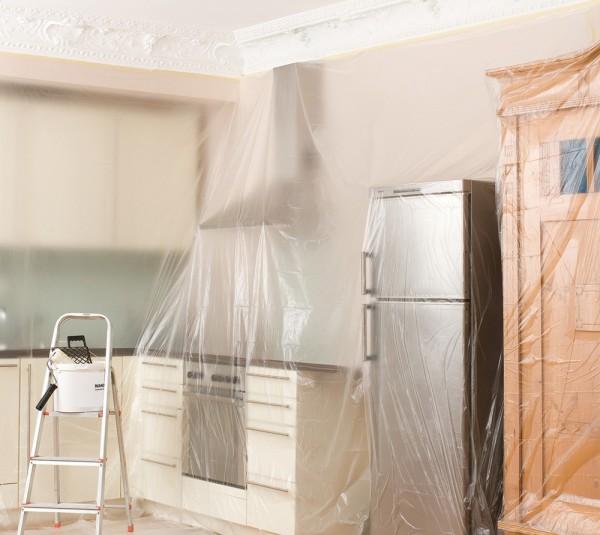 Комната в полиэтиленовой пленке – защита интерьера от пыли иных негативных факторов