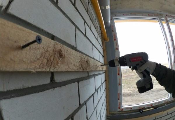 Крепление каркаса прямо на стену