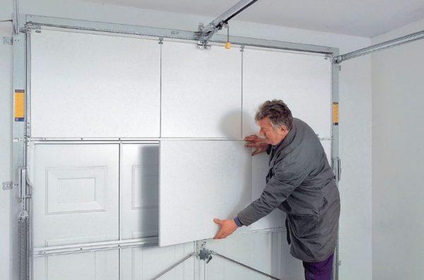 Надежно прикрепить пенопласт к металлическим поверхностям намного сложнее, чем к обычным стенам