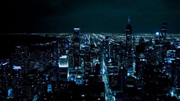Ночью потребление энергии городом падает в несколько раз.