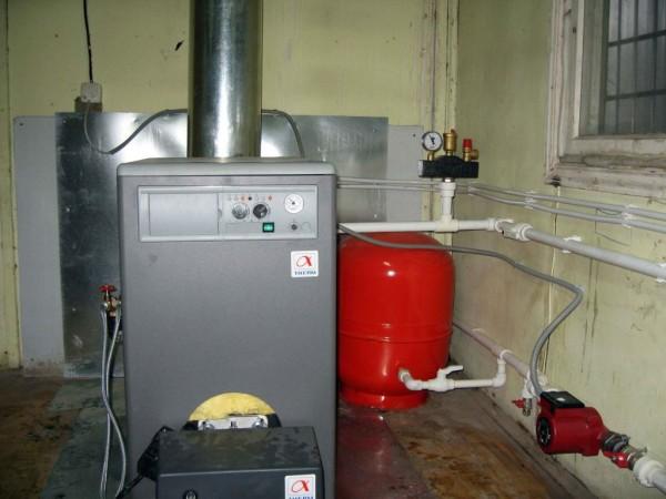 Оборудование, работающее на жидком топливе, размещенное в отдельном помещении