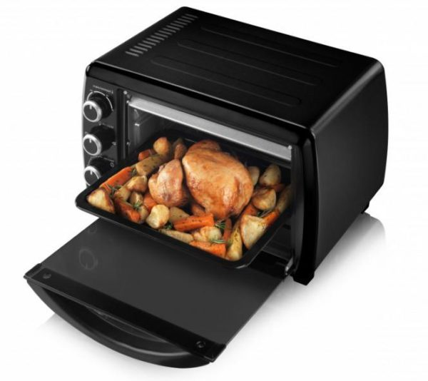 Очень часто для приготовления блюда требуется вместительная печь, так что кулинарам на этом параметре экономить нежелательно