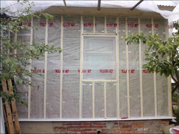 Окна проще не обходить, а закрывать, все лишнее вырежется потом