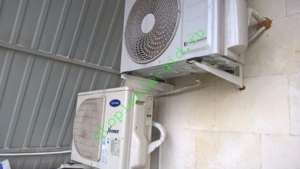 Основной источник тепла в моем доме — инверторные кондиционеры. Они работают на обогрев при уличной температуре до -25 °С, чего вполне достаточно для Крыма.