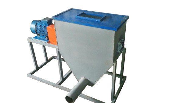 Отходы производства измельчаются в дробилке, как на фото.