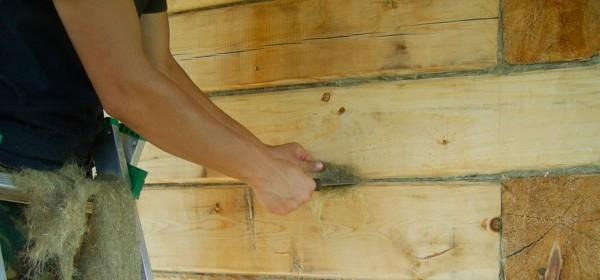 Пакля – традиционный вариант заделки стыков