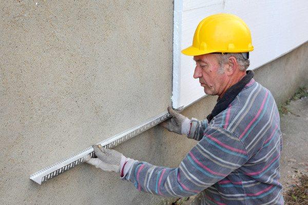 Пенопласт для утепления стен используют давно и часто.