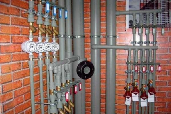 Пластиковые изделия для организации отопления в доме