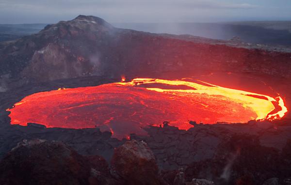 Под тонкой корой ядро планеты продолжает кипеть. Можно ли использовать это тепло на поверхности?