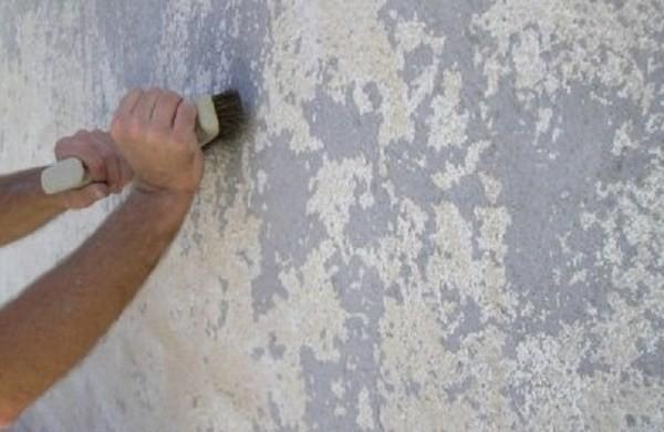 Подготовка стены к монтажу утеплителя.