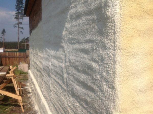 Покрытая пеной поверхность отдает значительно меньше тепла