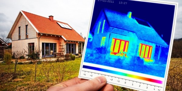 Правильная теплоизоляция дачного домика начинается с анализа теплопотерь с применением специального оборудования - тепловизора