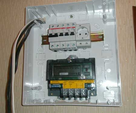Прибор мощностью свыше 3,5 КВт требует собственного подключения к щитку.