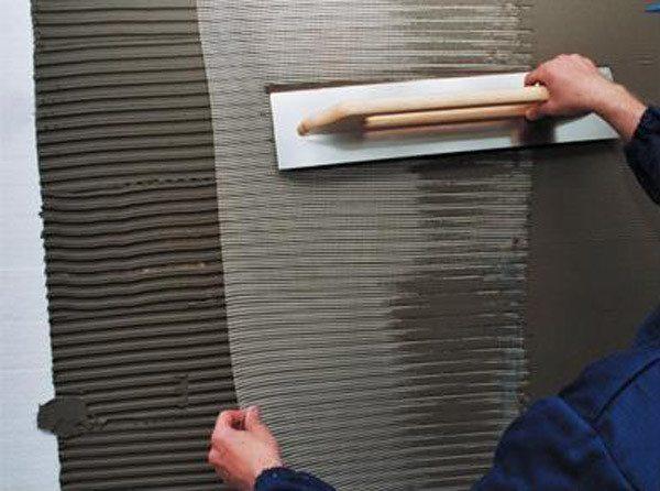 Приклеивание стекловолоконной сетки к пенопласту