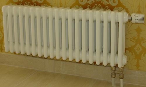 Радиатор чугунный МС 140-300 с нижним подключением труб.