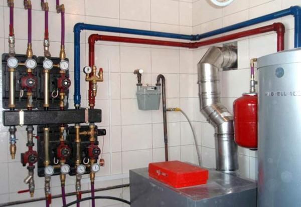 Расчёт значительно сложнее, если производится для системы отопления массового использования, которая требует внедрения гораздо большего оборудования