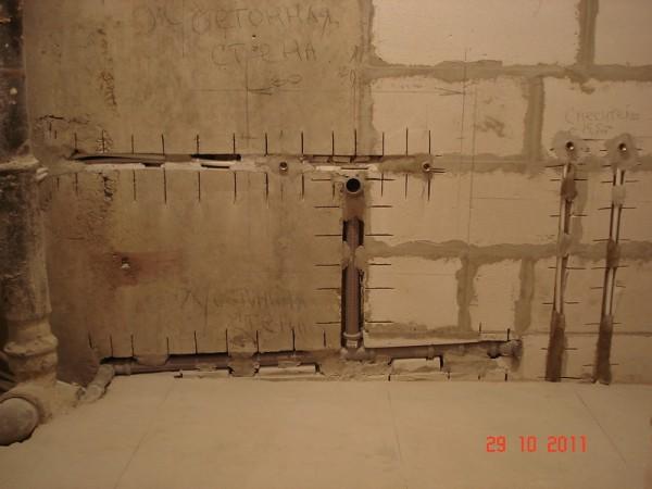 Размещение коммуникаций в стене