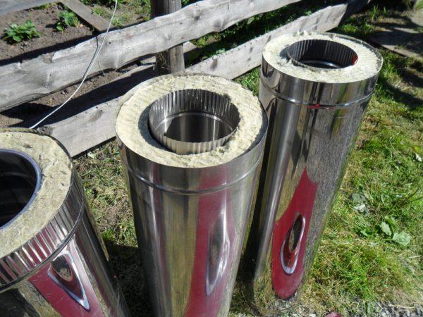 Сэндвич-труба для дымоходов. Для котла мощностью до 30 кВт ее диаметр — не менее 130 мм.