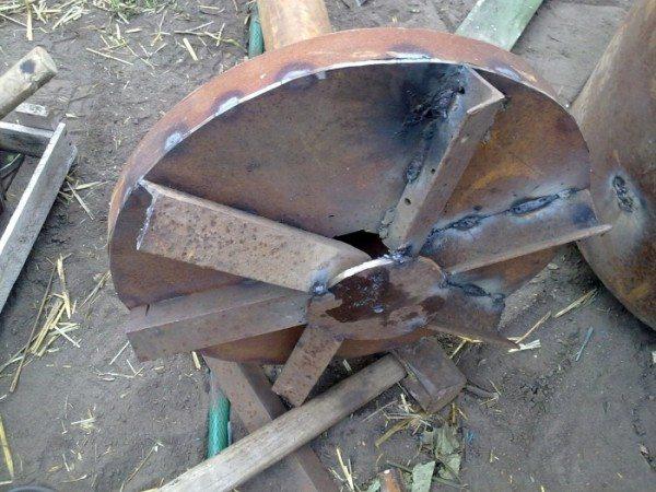 Стаскоблин изготовленного своими руками котла верхнего горения.
