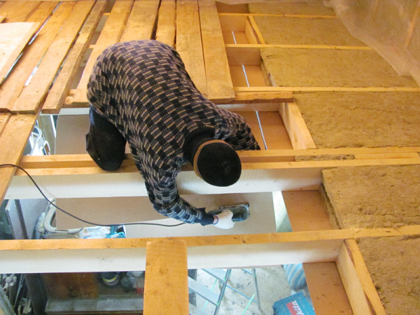 Теплый потолок - залог сохранения тепла в доме.