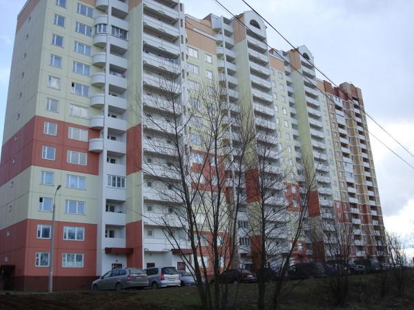 Типичный российский многоквартирный дом со всеми «прелестями» централизованного отопления