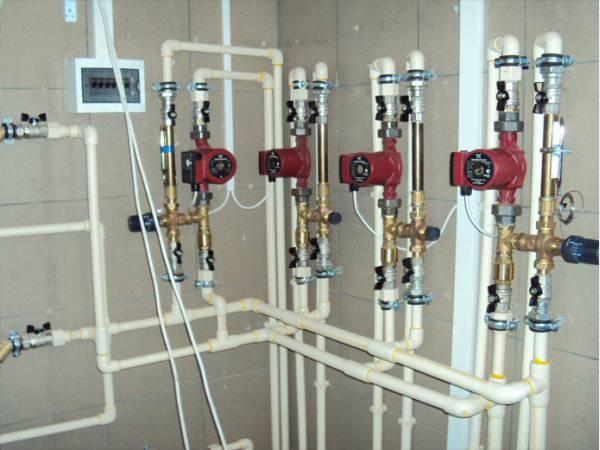 Труба ПВХ для отопления встречается все чаще.