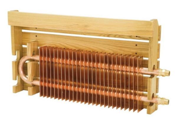 Цельномедный прибор с деревянным декоративным экраном.