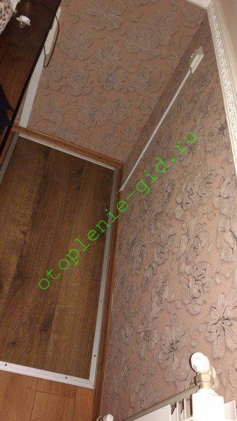 В моем доме пленочный теплый пол смонтирован под рабочим столом. При включенном нагреве за ним комфортно работать даже при +16 в комнате.