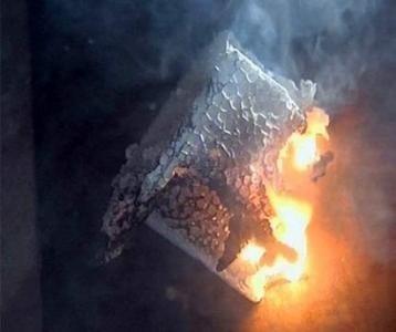 В процессе горения пенопласт выделяет опасные токсины