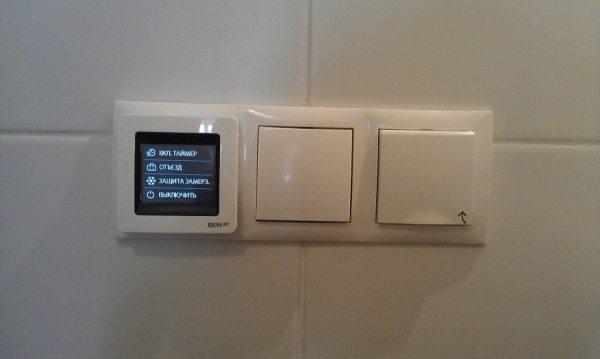 Возможность подключения терморегулятора позволяет сочетать комфорт и энергосбережение