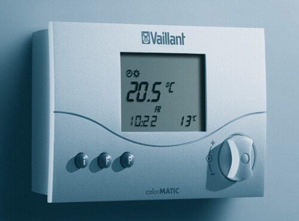 Выносной термостат дает возможность задать температуру воздуха в отапливаемом помещении и поддерживать ее независимо от погоды на улице.