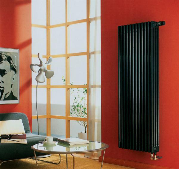Высокие и узкие радиаторы отопления чёрного цвета