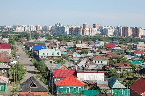 Частный сектор в Омске. Обратите внимание на этажность застройки.