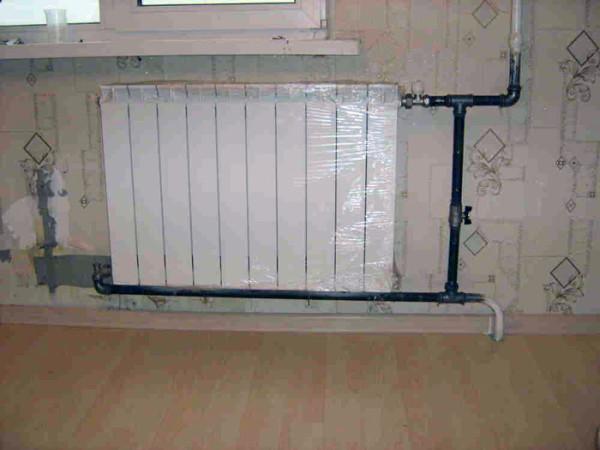 Диагональное подключение биметаллического радиатора.