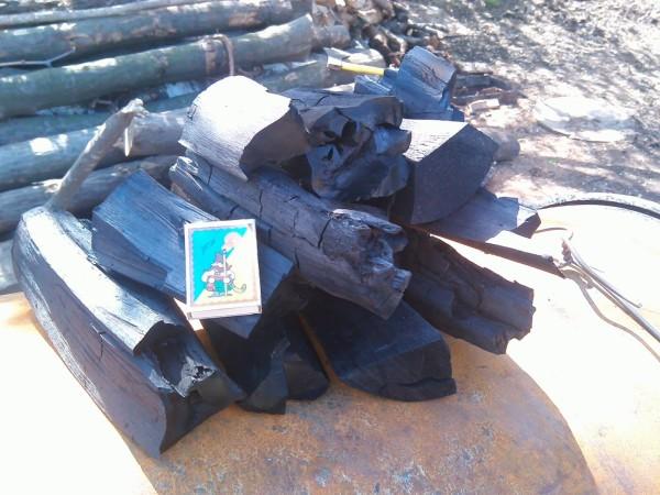 Древесный уголь – более эффективное топливо, чем дрова.