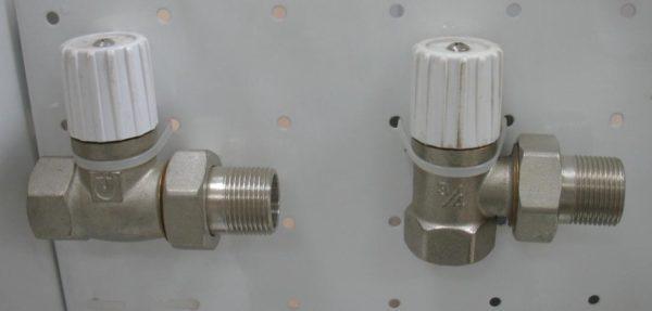 Дросселирующие клапаны для регулировки температуры радиаторов.