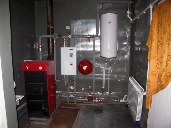 Генератор, установленный в готовую систему отопления здания