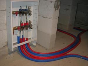 Коллектор лучевой системы разводки отопительных труб.