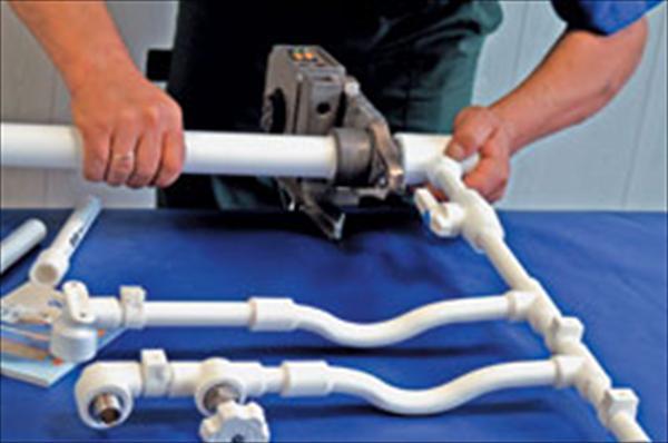 Комплектующие для отопления из полипропилена – пайка труб
