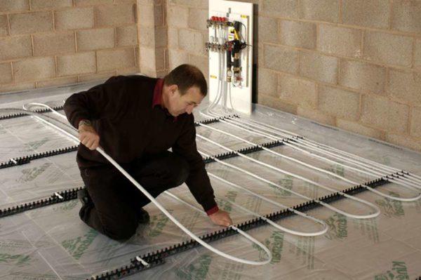 Конструкция системы напольного обогрева достаточно проста для самостоятельного монтажа