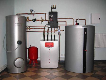 Котел для отопления, безусловно, важнейшая составляющая всей системы отопления, но далеко не единственная, не забудем о насосе, резервуаре для теплоносителя, датчиках, трубопроводах, в конце концов