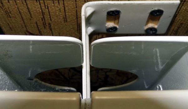 Кронштейны облегчают навеску отопительных приборов