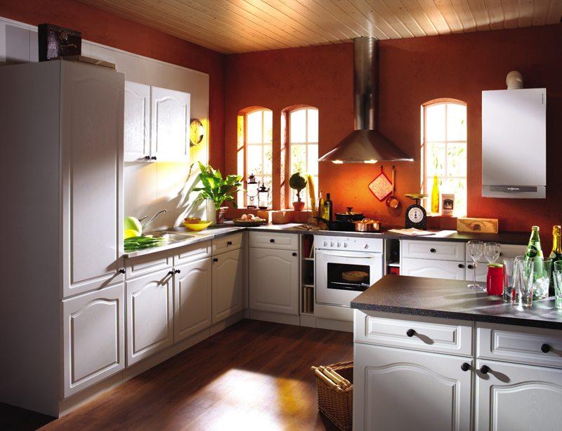 Интерьер кухни с напольным газовым котлом фото
