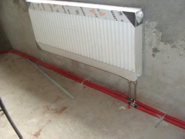 Магистрали из сшитого полиэтилена хорошо подойдут для транспортировки теплоносителя.