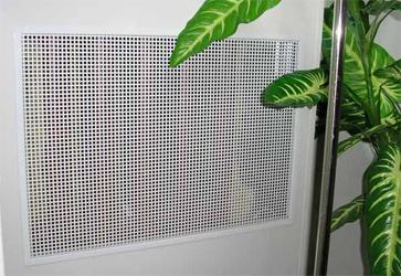 металлический экран на батарею отопления