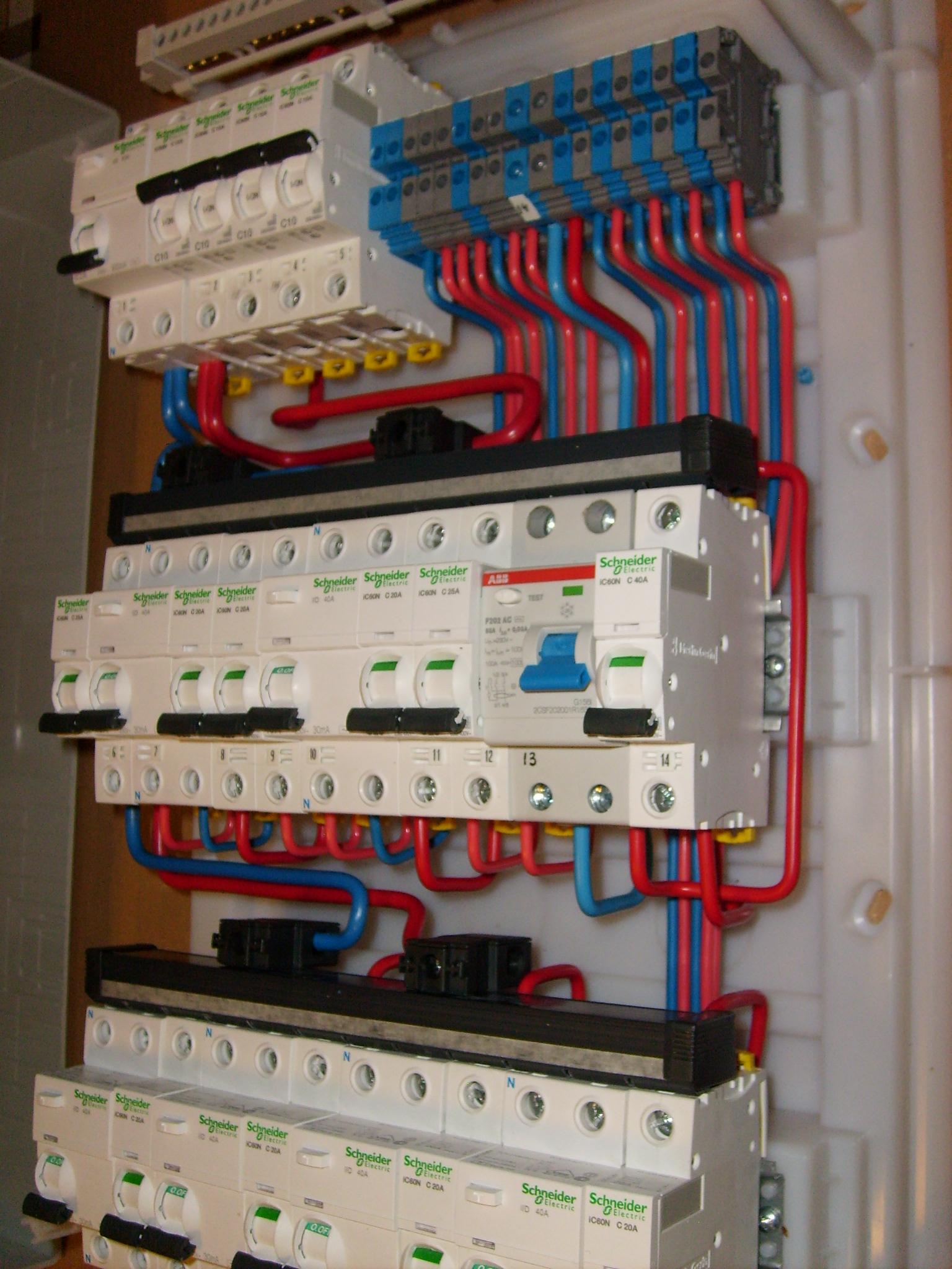 подключение электричества через автоматы схема